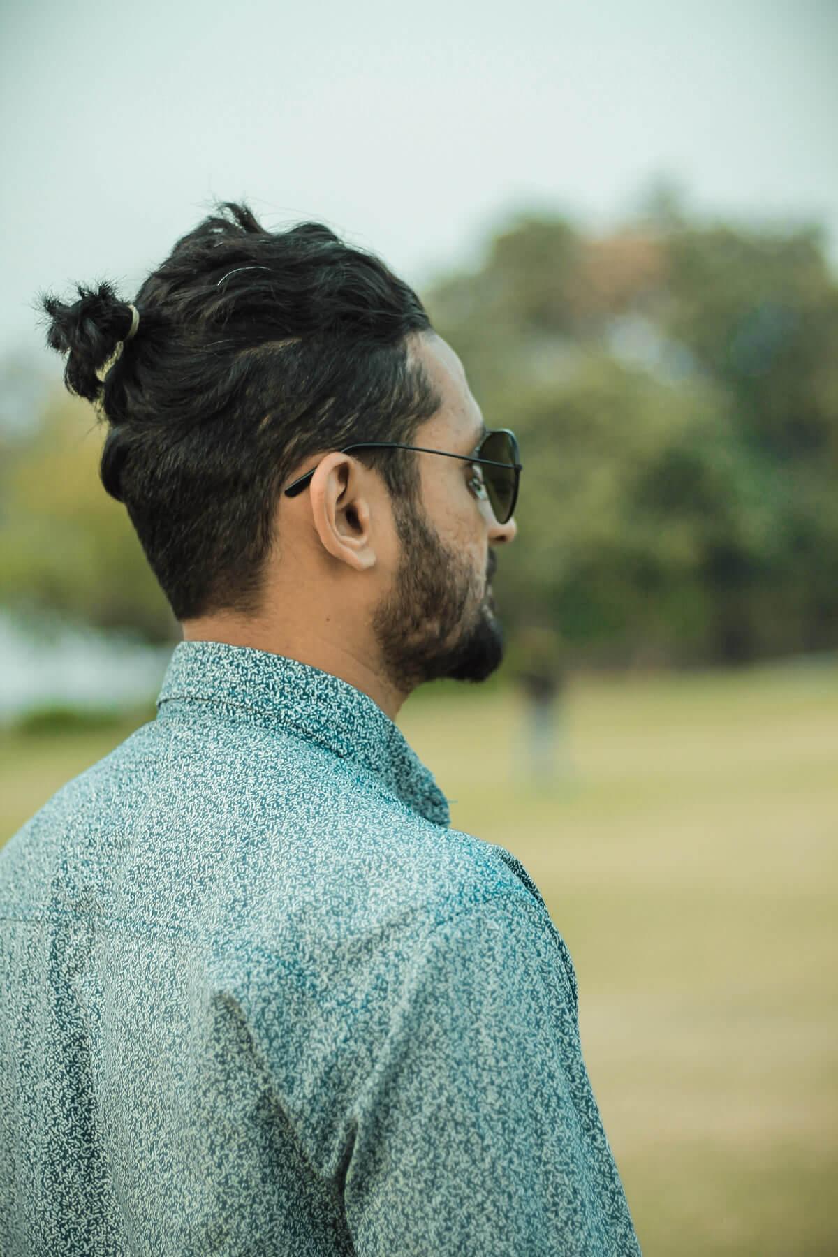 Trotz geheimratsecken lange haare männer Frisuren mit